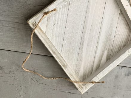 jute string with wood board