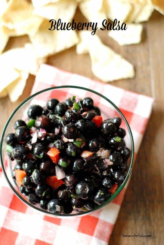 Lots of fresh flavors combine to make this summertime blueberry salsa! www.lemonsforlulu.com