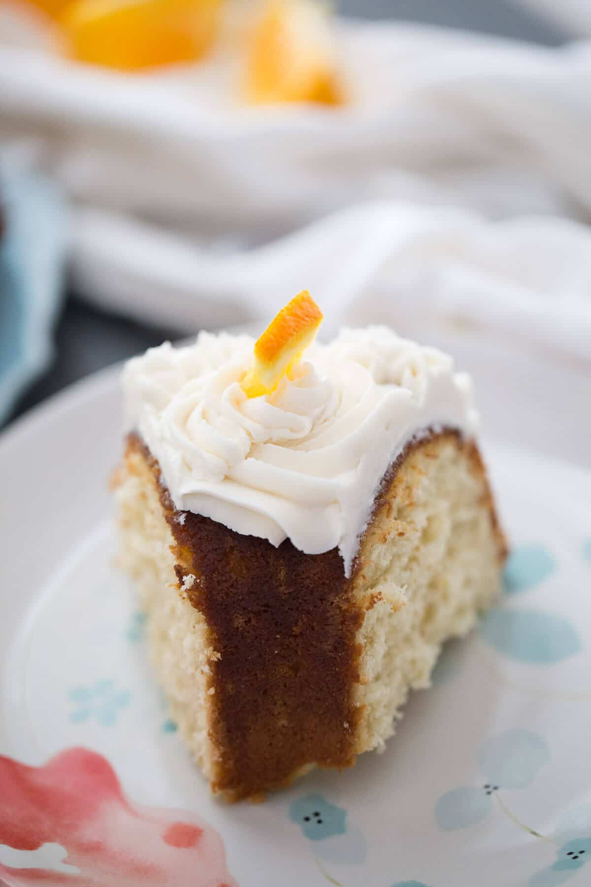 This simple bundt cake recipe is made to taste just like a mimosa cocktail; desserts with champagne are always good!
