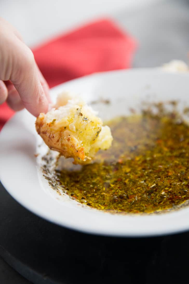 How to make olive oil bread dip