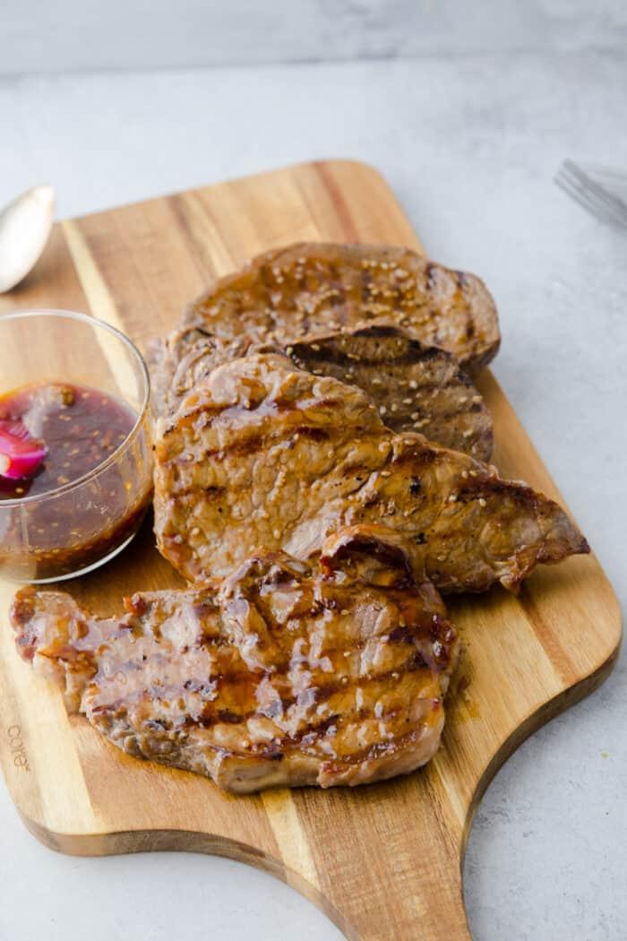 teriyaki glazed sirloin steaks