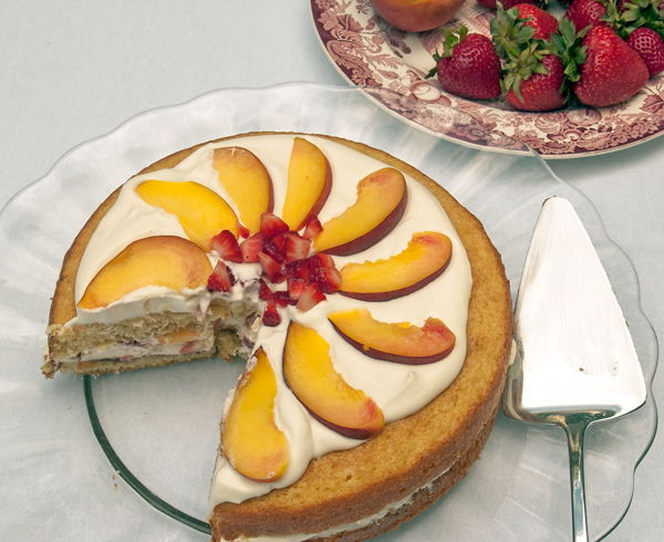 Nifty Cake: Buttermilk Cake with Strawberries, Peaches and Cream cake recipe