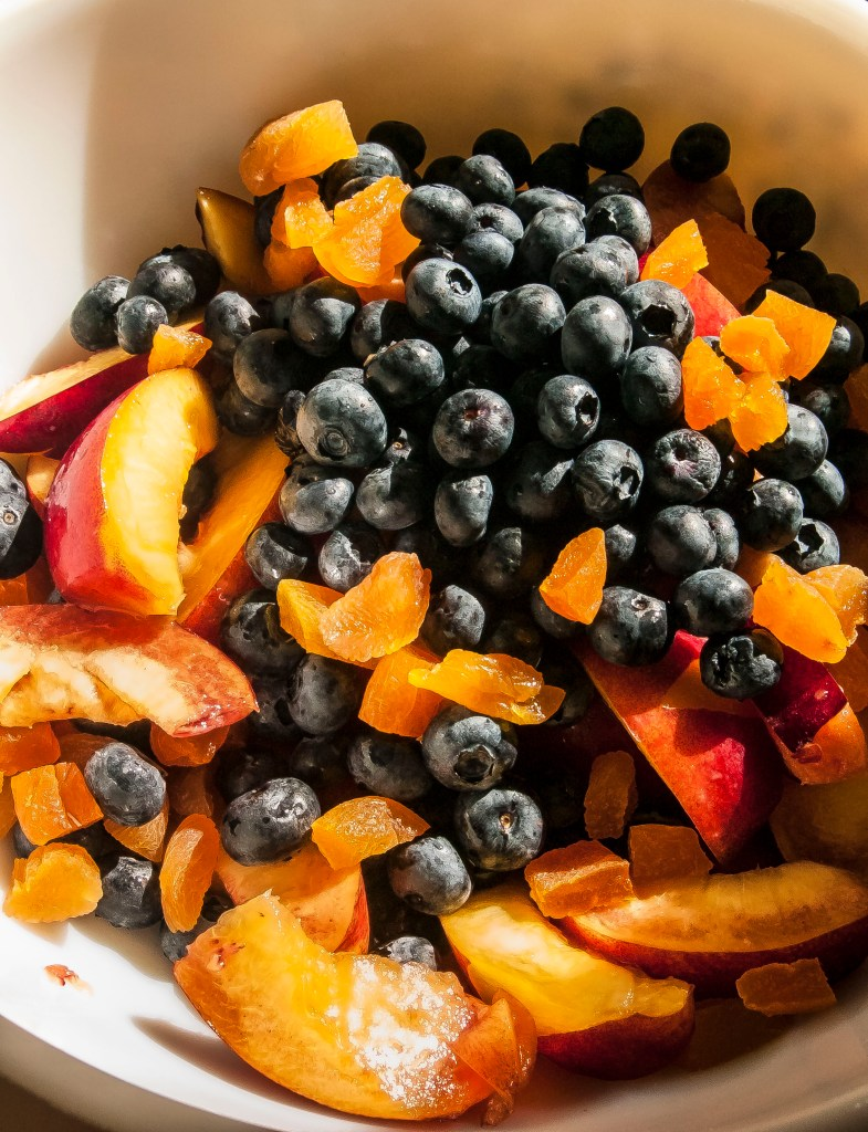 Nectarine and blueberry gallete is a perfect, easy and relaxed summer dessert.