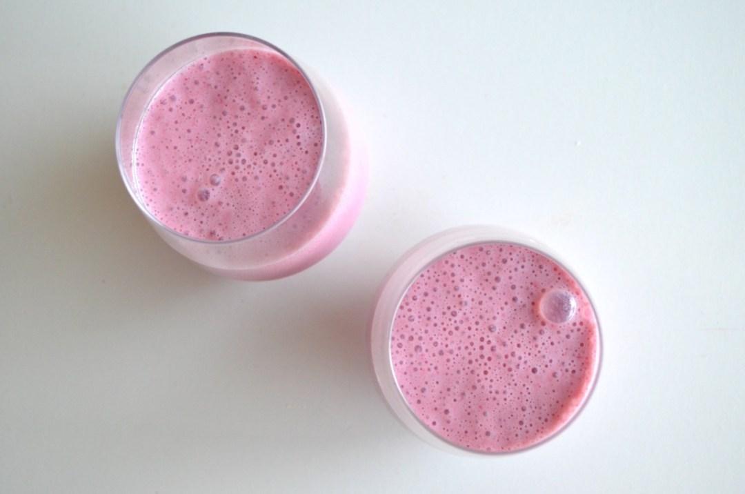 Batido de fresa vegano y saludable