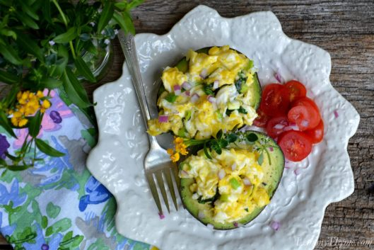 Herbed Scrambled Eggs in Avocado Boats3