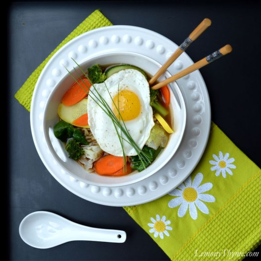 Steamed Veggie Ramen Broth Bowl with Fried Egg | LemonyThyme.com | #lunchbowls