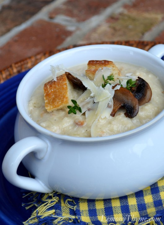 Roasted Garlic Bread Soup1