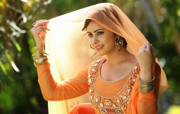 Beautiful Indian girl image  e