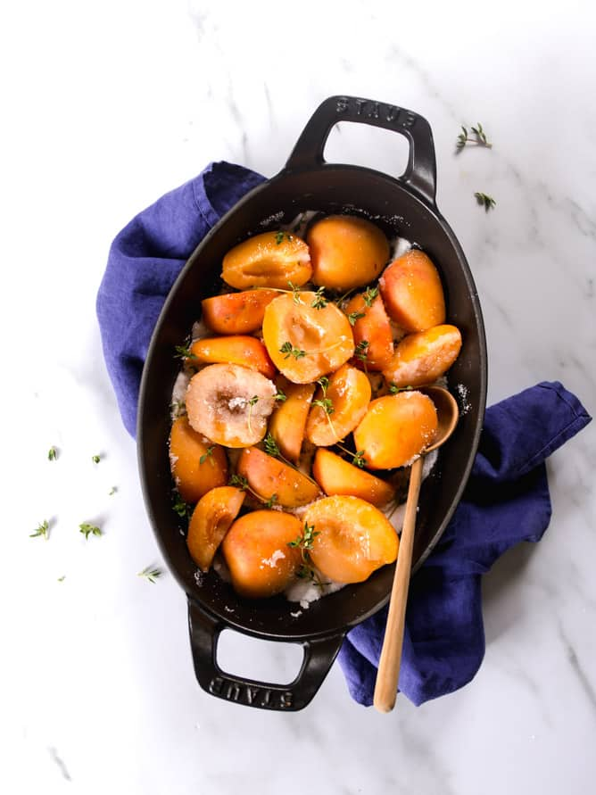 Fresh apricots with sugar and thyme