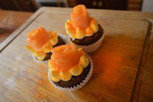 se muestras un cupcakes para perro de salmón hechos con pienso lenda