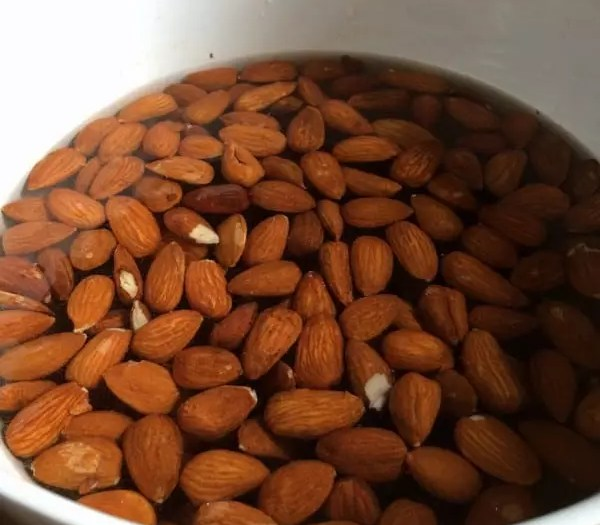 Derfor skal du udbløde dine nødder og kerner