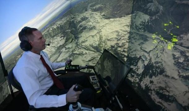 Le pilote Gene Lee en simulateur (Lisa Ventre, University of Cincinnati)