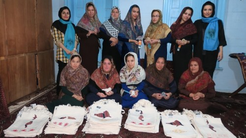 Vrouwen steunen project in Iran
