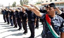 Fatah polisens nazihälsning