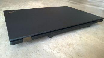 Zadní strana ThinkPad P50s