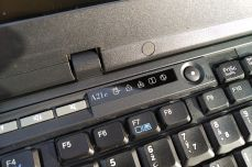 IBM ThinkPad A21e indicators