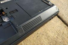 IBM ThinkPad A21e speaker hole