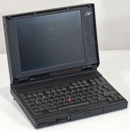 IBM ThinkPad 700C měl vlevo dole ještě klávesu Ctrl.