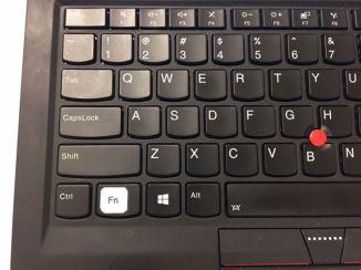 Najdou se i tací, kteří se nesmíří ani se softwarovým prohozením kláves.