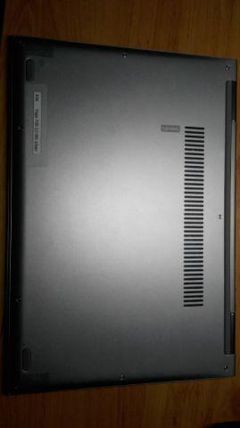 Spodní strana počítače