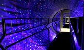Otáčející se hvězdný tunel.