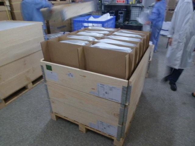 Znovupoužitelné obaly v továrně Lenovo.