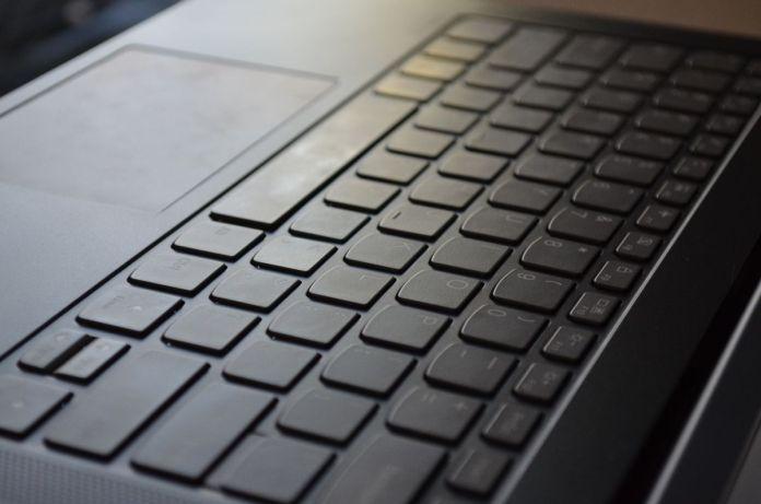 Design notebooků IdeaPad se s léty příliš nemění. A podle mě to není na škodu.