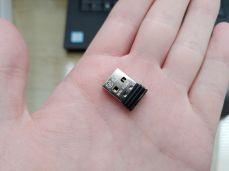 USB přijímač (dongle)