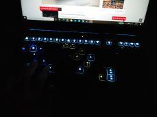 Lenovo Legion Creator 7 – podsvícení funkčních kláves při stisku Fn