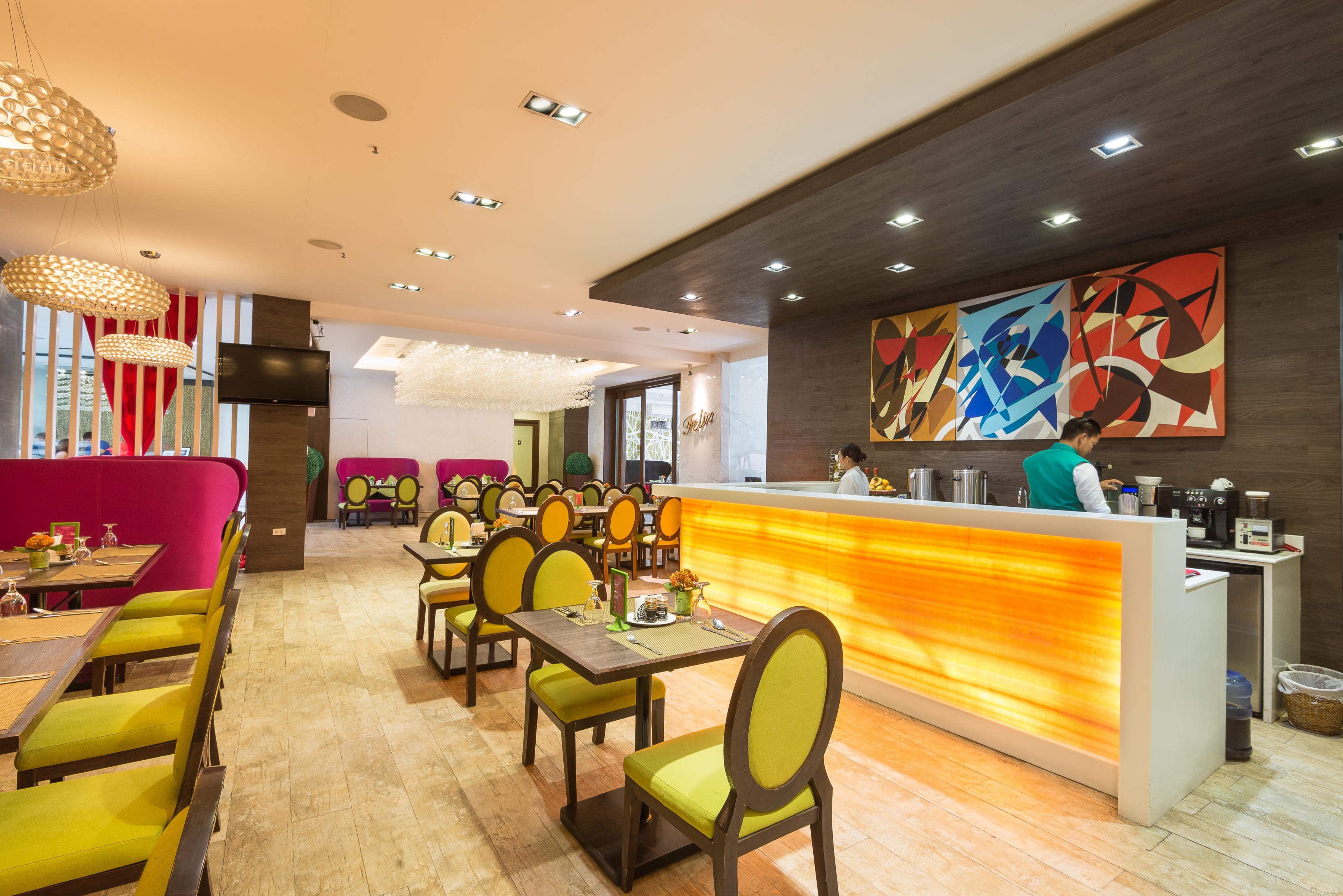 Café Feliz - Bar Area