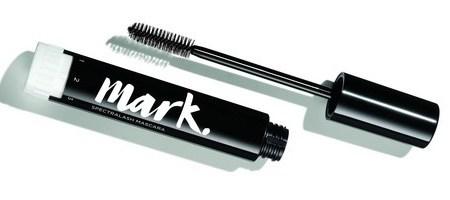 Objavte novinky dekoratívnej kozmetiky mark. od AVONu!