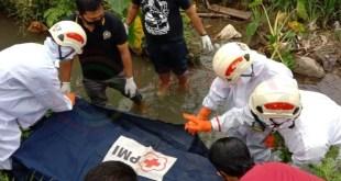 LensaHukum.co.id - IMG 20210115 WA0015 - Polisi Evakuasi Wanita Paruh Baya Yang Ditemukan Meninggal Di Saluran Irigasi