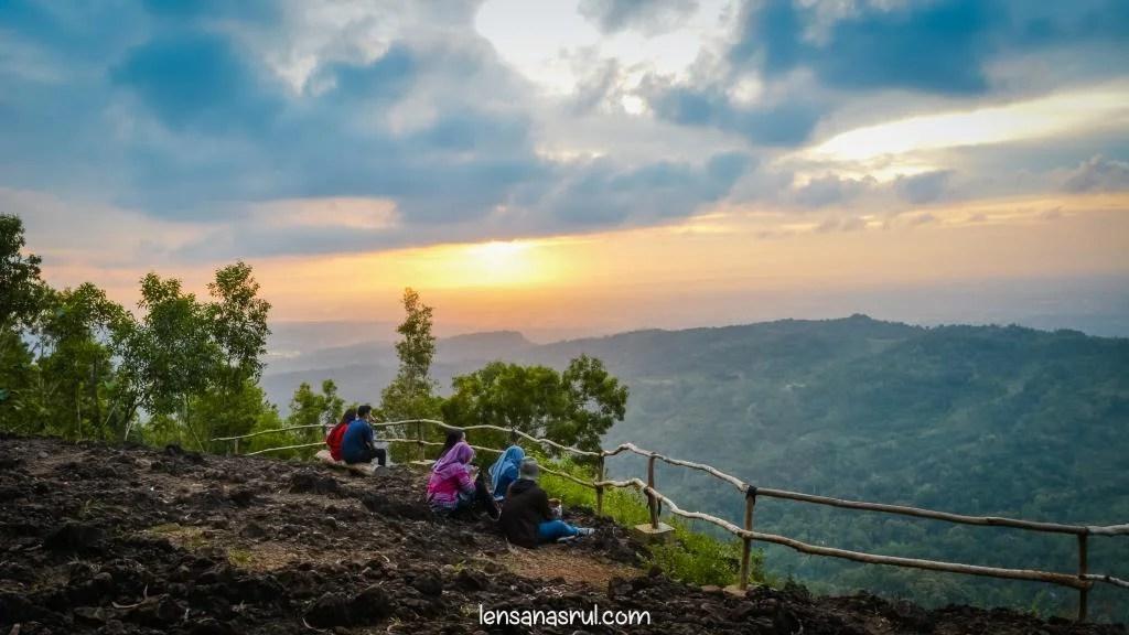 Sunset Pinus Pengger Yogyakarta