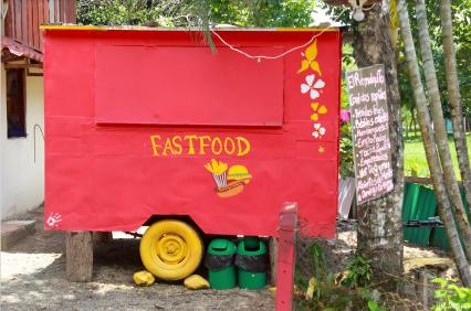 Kleiner Fast Food Wagen in Uvita