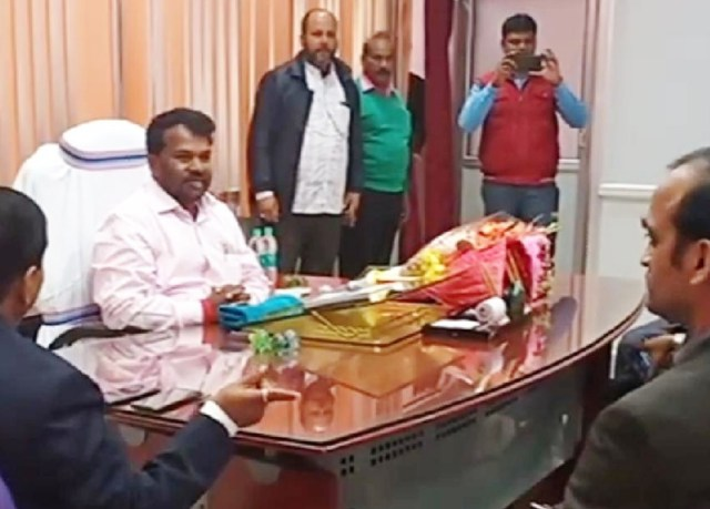 Minister jaggarnath mahto took the office charge