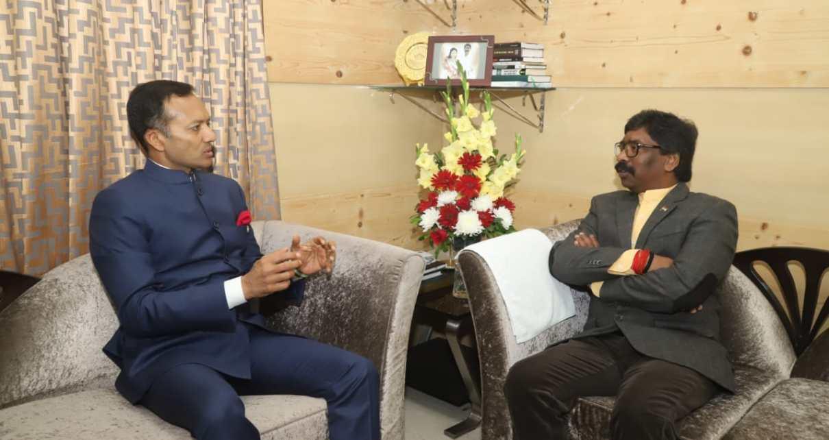 Navin Jindal met cm, Jharkhand hemant Soren