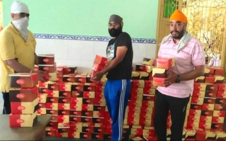 Distribution of langer packets by gurudwara guru singh sabha for the 17th day