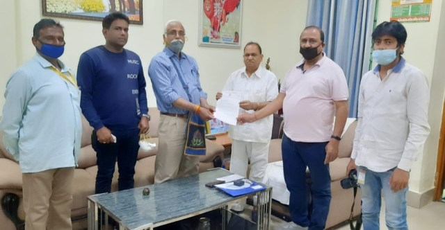 A delegation of Jharkhand union of journalists met babulal marandi and c p singh