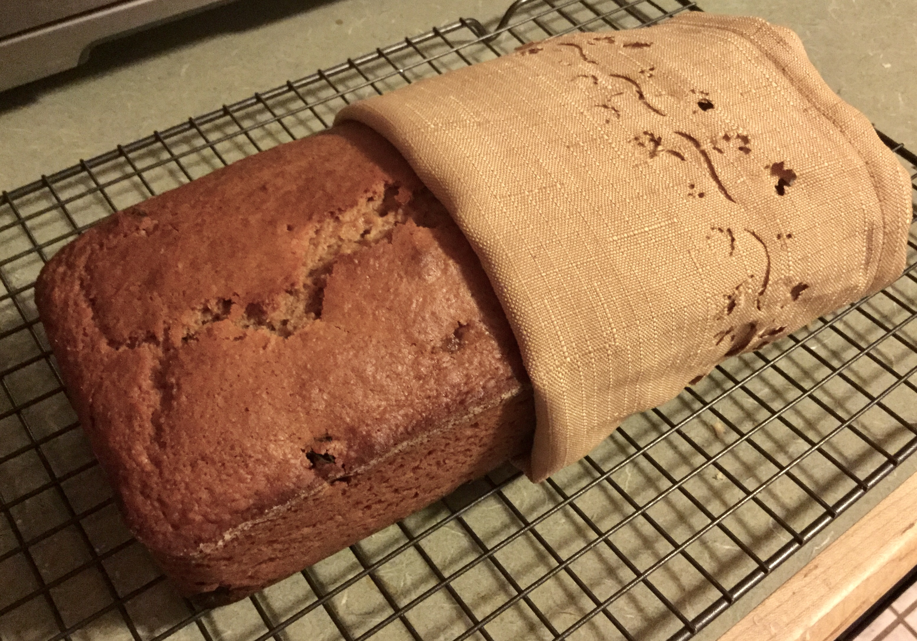 Applesauce raisin bread
