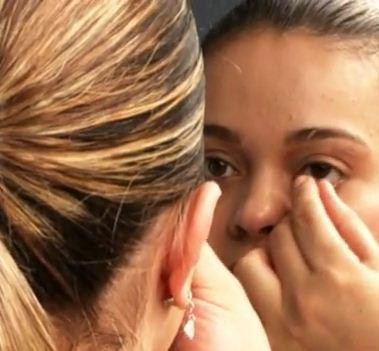 Como retirar lentes de contato gelatinosas