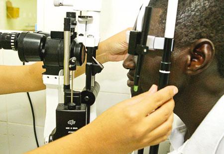 Visitas ao oftalmologista devem ser feitas regularmente