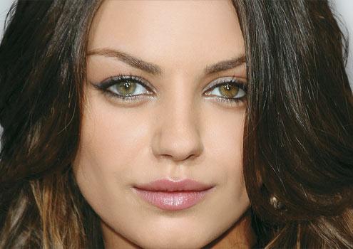 Mila Kunis olhos heterocromia