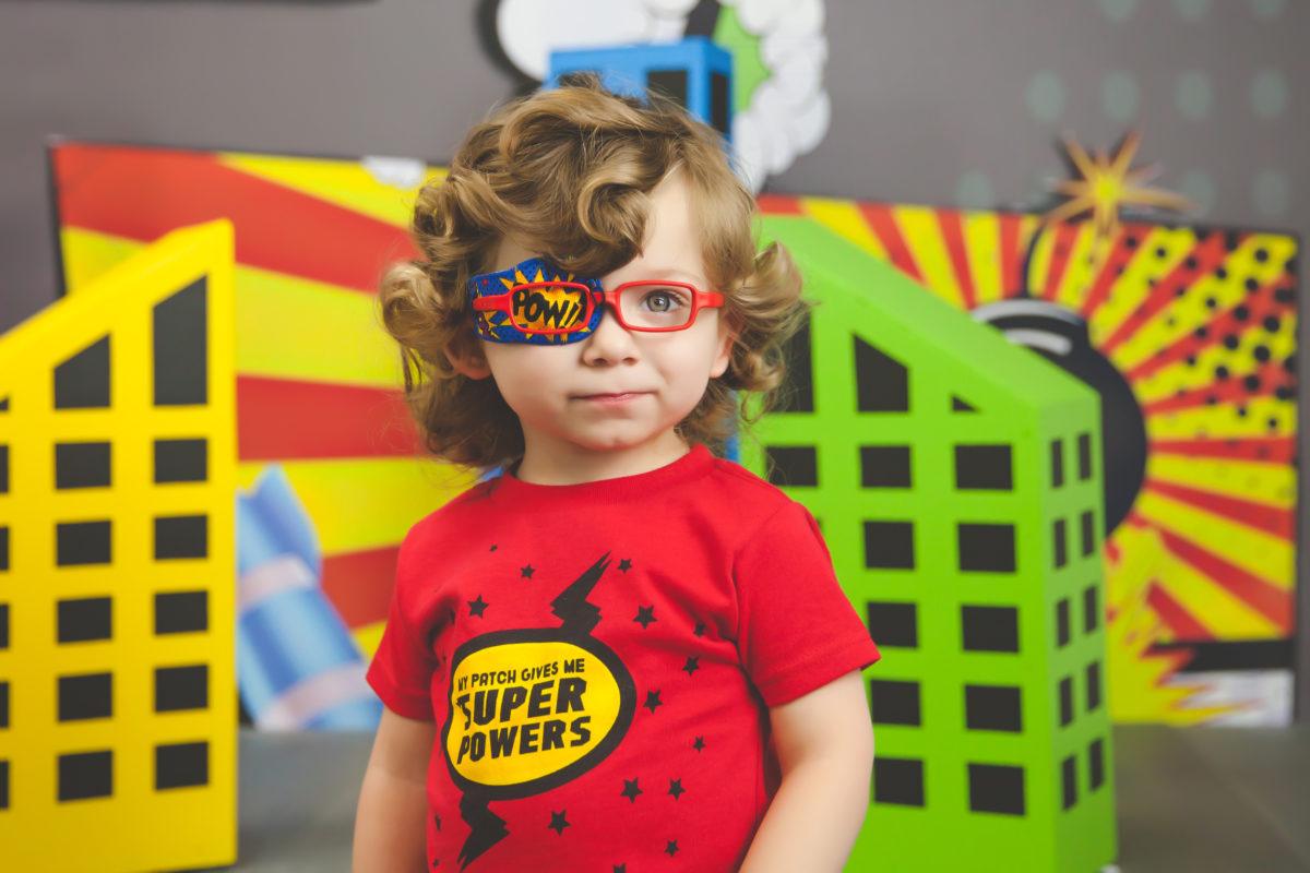 a2cfc96ff Muitos problemas na saúde ocular são tratados com maior eficácia durante a  infância, como é o caso do estrabismo. Por isso, não é raro encontrar  crianças ...