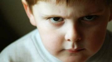bambino-arrabbiato-2
