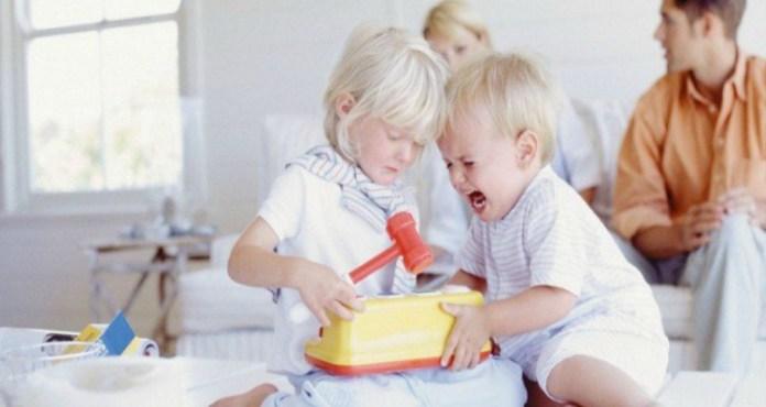 bambini_litigano