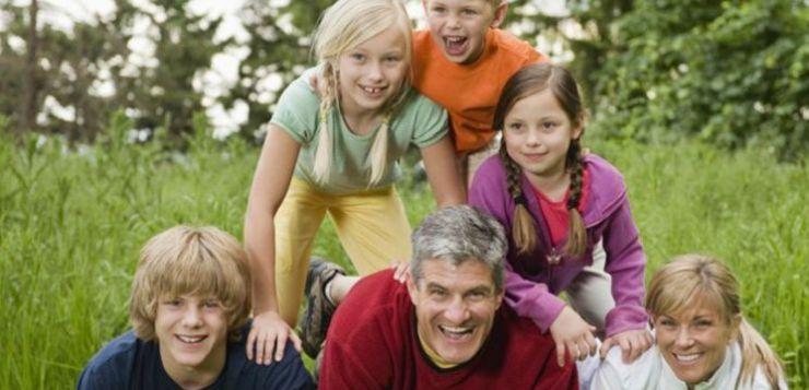 Per essere felici, bisogna avere almeno quattro figli