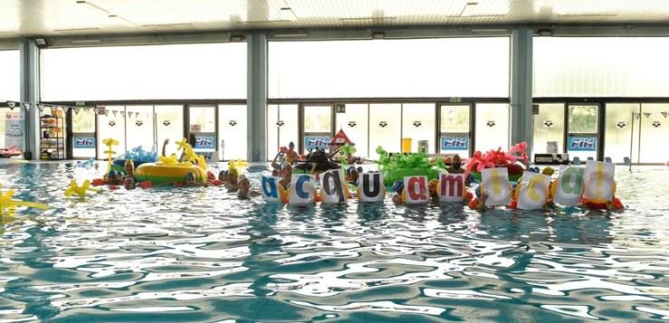 Arena Acquamica, bambini e campioni in acqua insieme