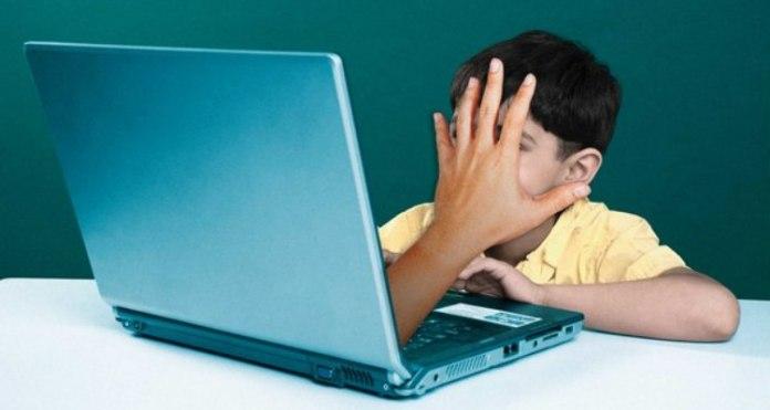 bambini in internet