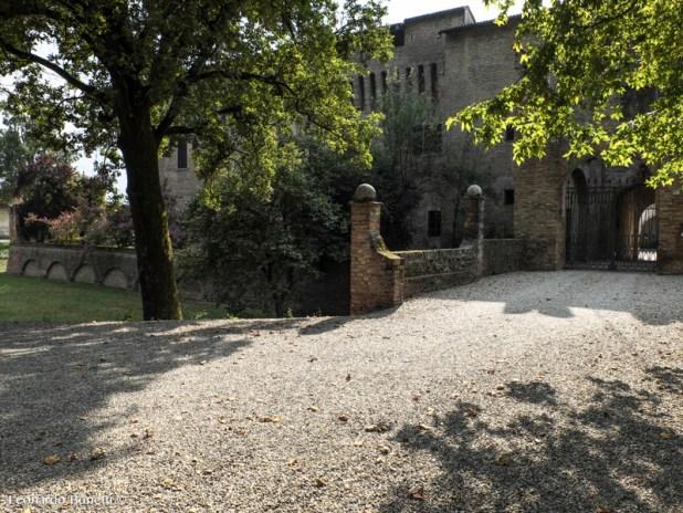 Ingresso al castello del Belpavone