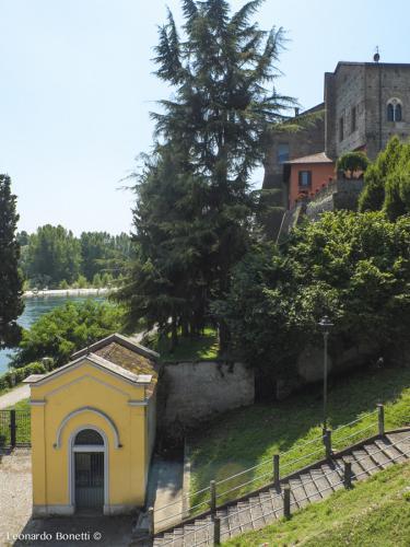 Fortezza-viscontea-di-Cassano-dAdda-e-un-lembo-di-fiume